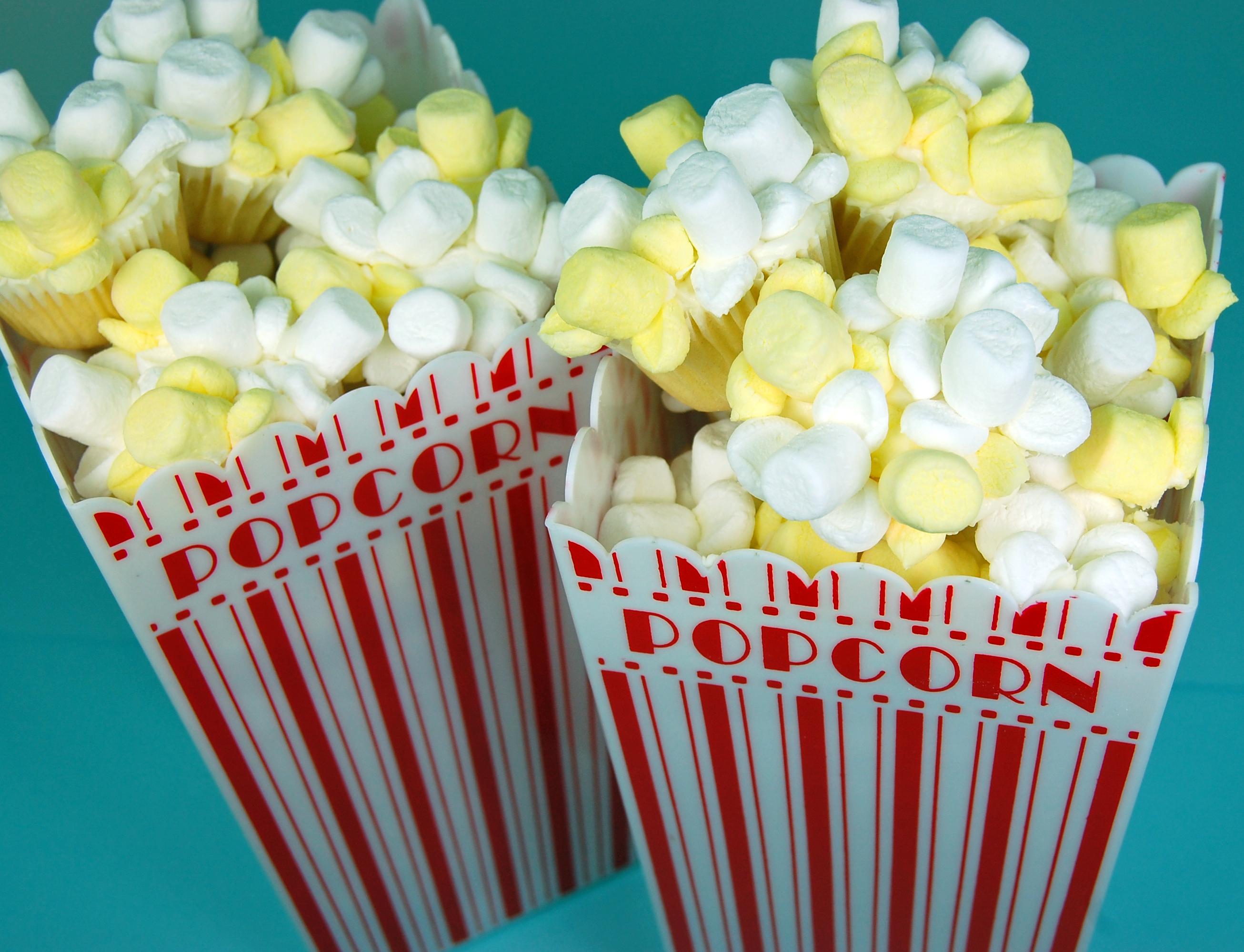 Popcorn Cupcakes - blue