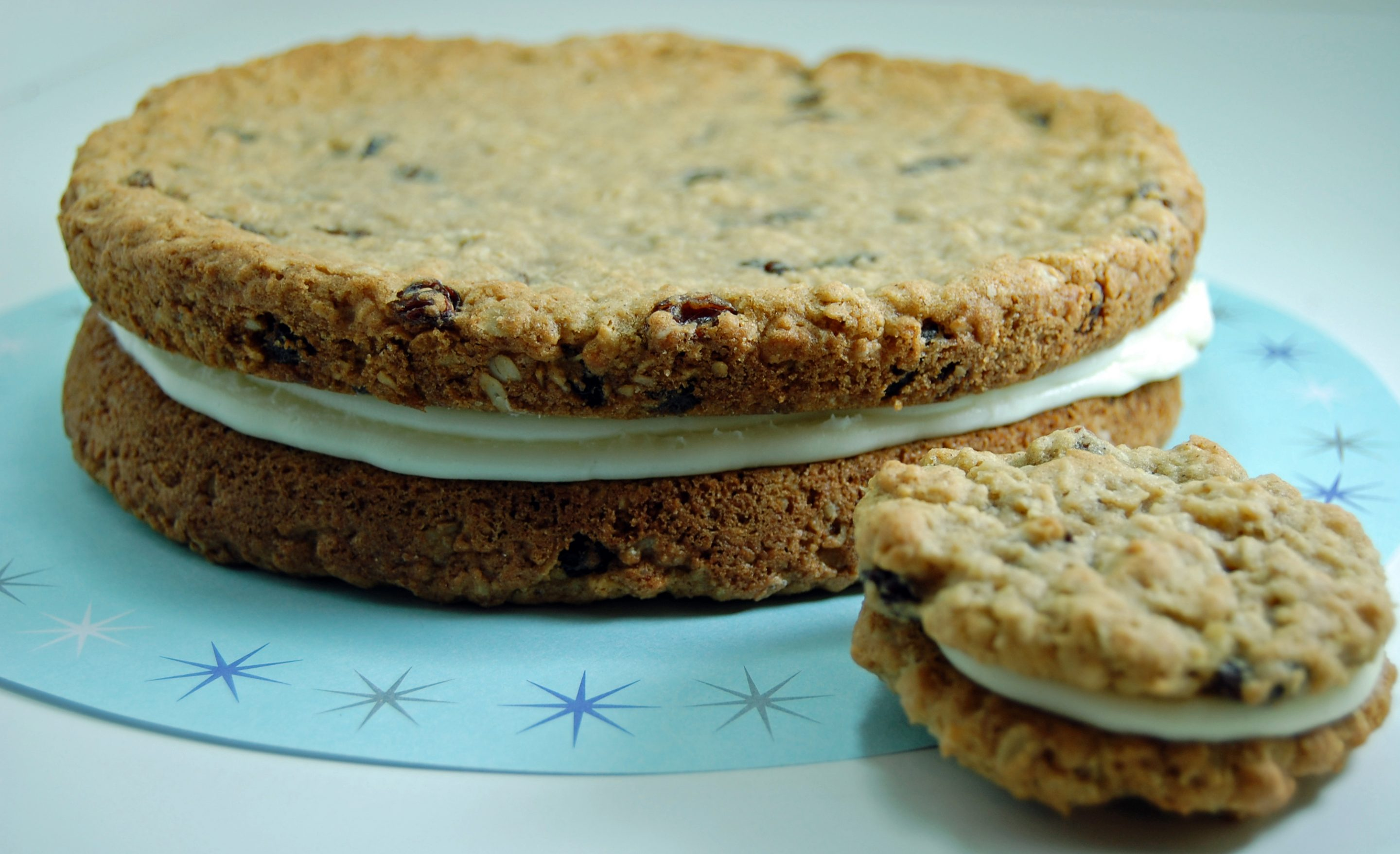 Oatmeal Raisin Sandwich Cookie Cake 2